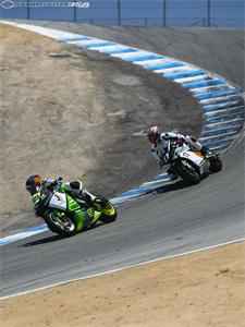 http://images.motorcycle-usa.com/PhotoGallerys/large/Corkscrew-Empulse-CP4_1064.jpg